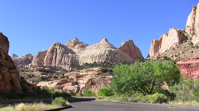 Route 98 passing through Navajo nation